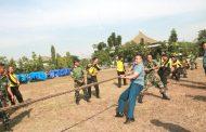 Peringati HUT RI Ke 72,TNI Dan Polri Adakan Lomba Unik