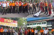Korem 102/Pjg  Olah raga Bersama Polda Kalteng Perkuat Kebersamaan.