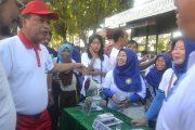 Menristekdikti  Singgah di Stand Universitas Sawerigading