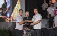Ratusan Karyawan Semen Indonesia Terima Penghargaan Kesetiaan