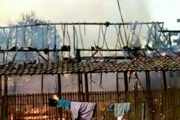 Naas, Lima Rumah Di Sampang Ludes