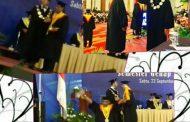 Usai Wisuda MH, Advokat A Chairul Farid Syukuran Bersama Ibunya