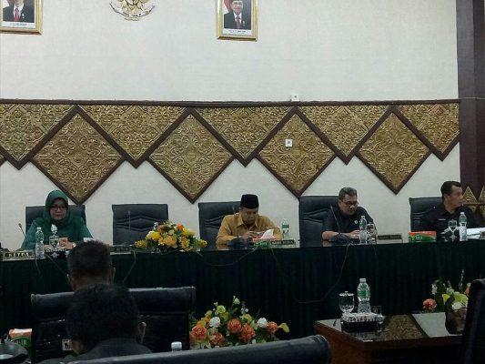 Rapat Paripurna Ungkap APBD Perubahan Padang 2017 Defisit Rp 155,43 Miliar