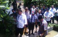 Bupati Sergai  Meninjau dan Menyerahkan Bantuan Kepada Korban Banjir