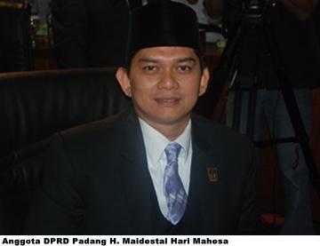 """Dewan Minta Aparat Penegak Hukum Tindak """"Mafia Proyek"""" di Padang"""