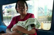 Ya Allah……Ada Ibu Yang Bawa Pulang Mayat Anaknya Dengan Angkot Sambil Menangis