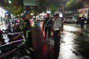 Petugas Tertibkan Parkir Di Jalan-Jalan Utama Kota Madiun