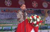 Gubernur Serahkan Bantuan Hibah Kepada 26 Penerima Di Kabupaten Malteng