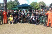 Terjun Payung Prajurit Kostrad Hibur Warga Sidempuan Pada Penutupan TMMD Kodim 0212/TS