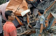 Truk Tangki Hantam Rumah Di Cerme, Satu Tewas