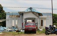 Diterjang Puting Beliung Atap Kantor DPC Partai Demokrat OKU Melayang