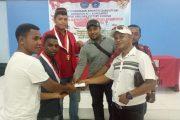 Alumni GMNI Sorong Beri Bantuan Kepada Komisariat Fisip UMS dan Viktori