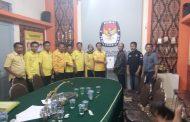 Ketua DPD Partai Golkar Serahkan Dukumen Ke KPU Probolinggo