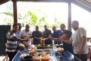 Tumpeng Hijau Merah dari Komunitas Gesah Reboan KAHMI Banyuwangi Untuk Pasangan Gus Ipul-Anas