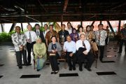 Wali Kota Surabaya Ajak Perguruan Tinggi Jepang Berkeliling Gedung Siola