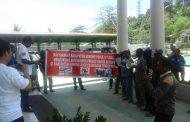 Demo MKSPK di Kejari Sorong Nyaris Ricuh