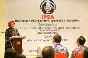 Fatma Saifullah Yusuf Raih Penghargaan Certified Public Speaker Kehormatan