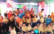 Tingkatkan Kepedulian, BKOW Jatim Berbagi Kasih Dengan Anak Disabilitas