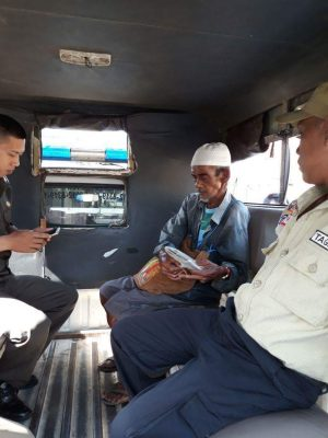 Dinsos Palembang Jemput Kakek Ruslan Yang Terlantar